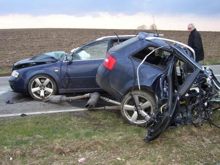 incidenti-auto-distrazioni-telefonare