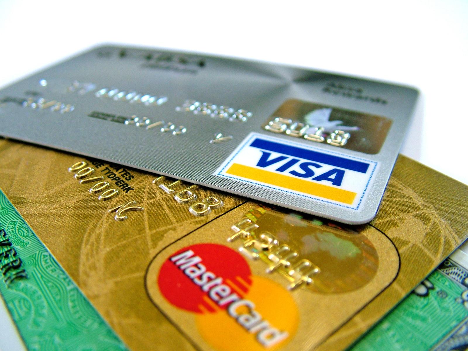 commissioni bancarie per l'uso di carta di credito e debito