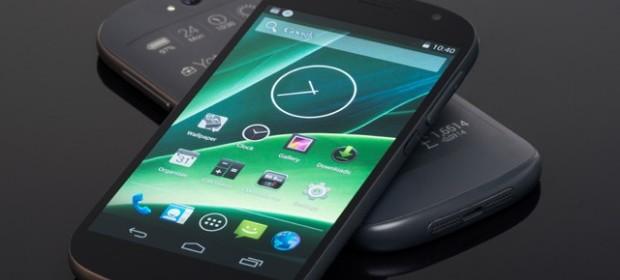In arrivo lo Yotaphone 2, smartphone con doppio schermo