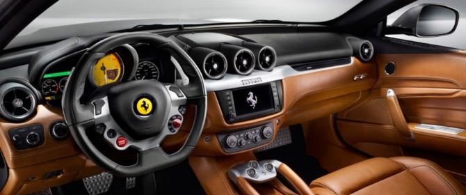 La nuova Ferrari FF al Salone di Ginevra 2014 con CarPlay di Apple