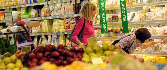 aumenta la spesa delle famiglie, bonus di 80 euro non è il responsabile
