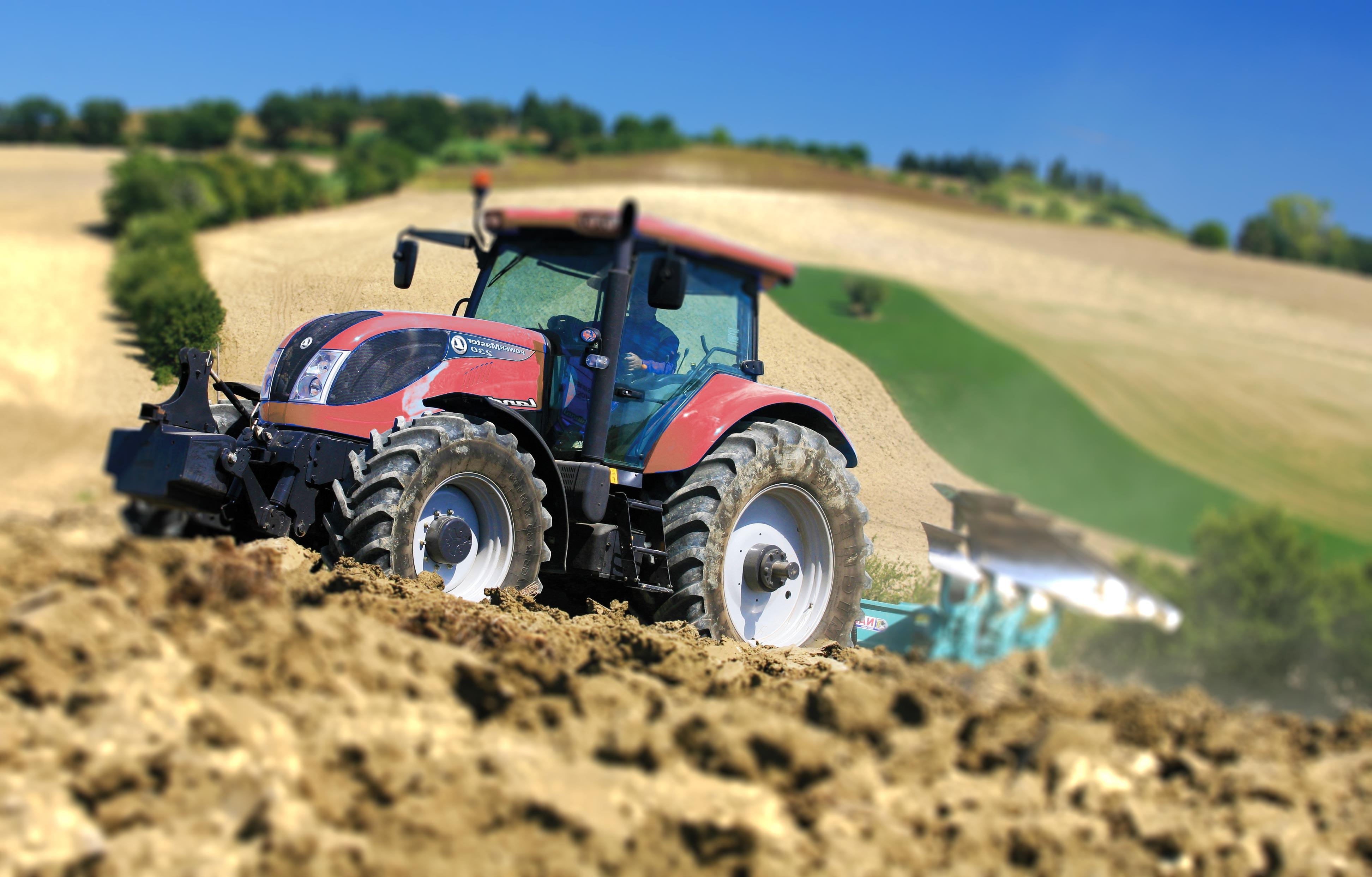 Assicurare trattori e altri macchinari agricoli for Disegni delle macchine
