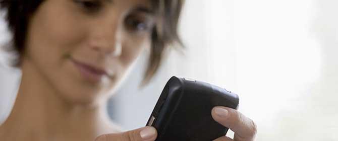 Internet-mobile-donna
