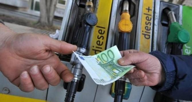 prezzi benzina italia UE