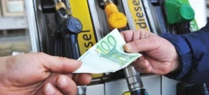 scende la benzina e il gasolio
