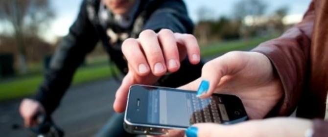 Operatori di telefonia mobile e produttori di smartphone proporranno negli USA strumenti antifurto a costo zero