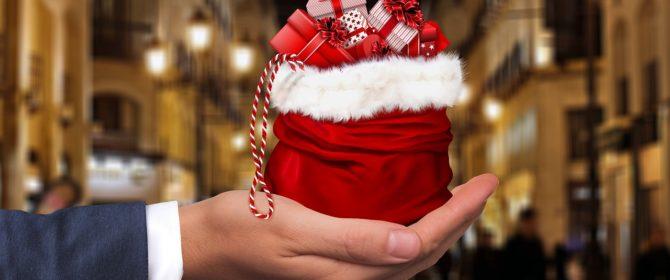 Shopping natalizio: acquisti online o in negozio